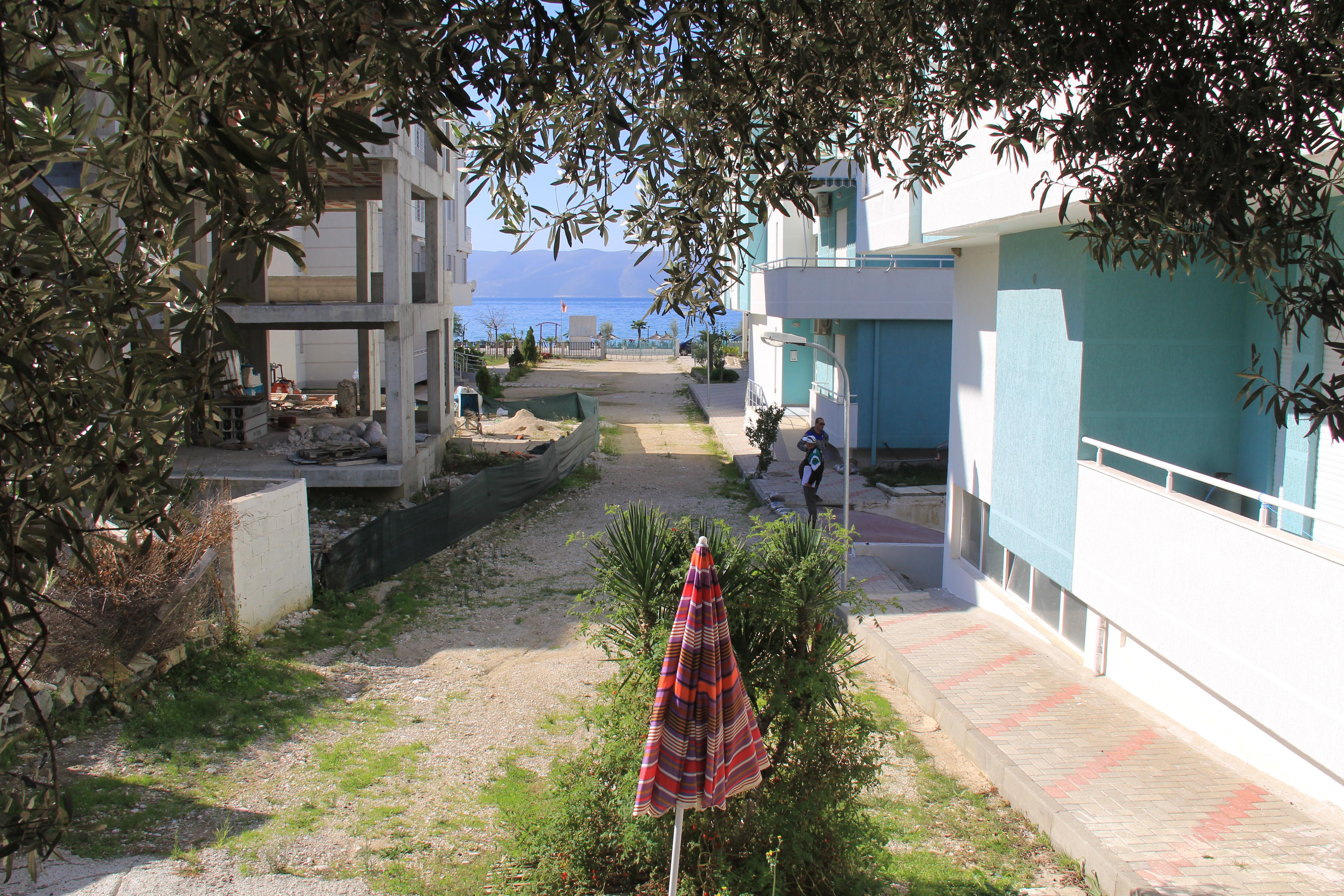 Продажа недвижимости в албании квартиры в праге 3 с террасой купить